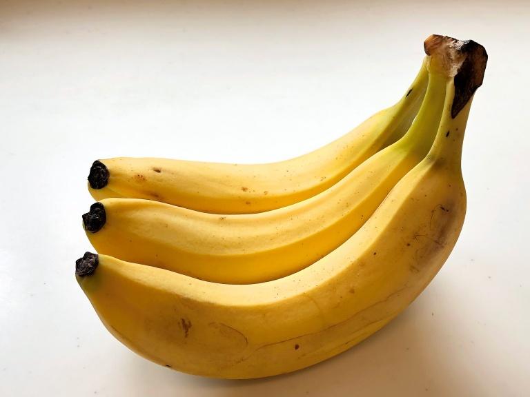 むくみ解消に有効なバナナ1本に含まれるカリウム
