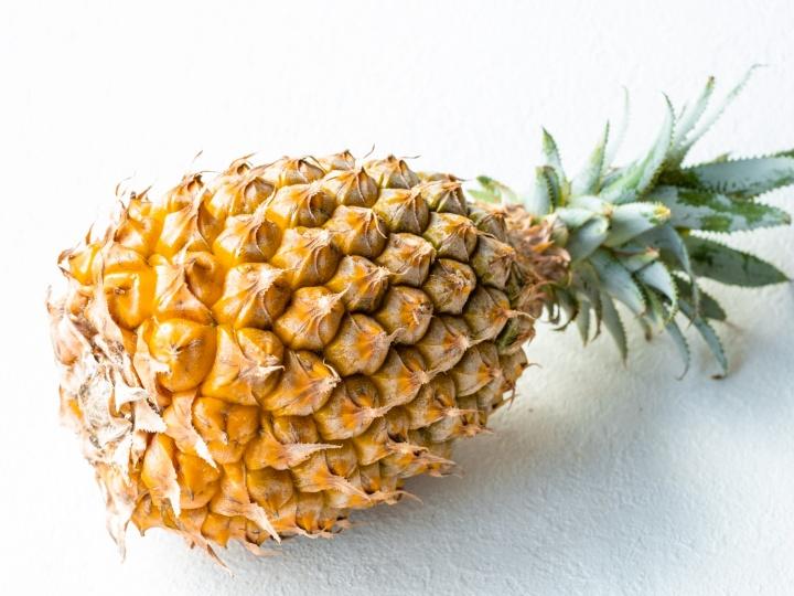 パイナップル 消化不要や腹痛、便秘の解消に良く、余分な水分を排出